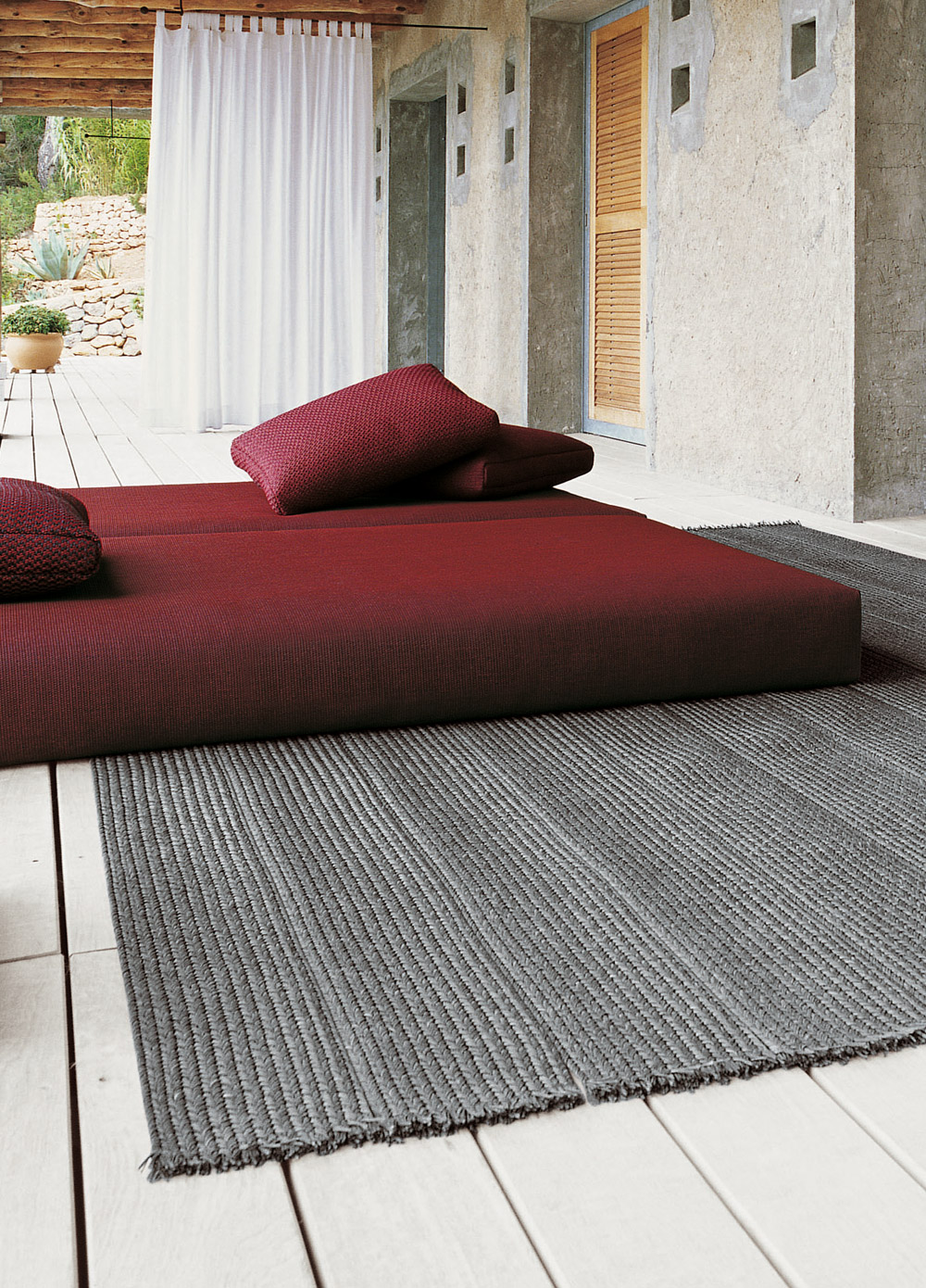 Sahara di paola lenti tappeti arredamento mollura for Paola lenti