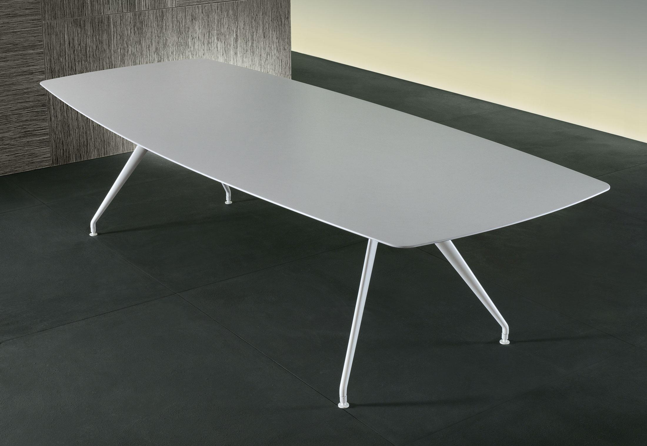 Manta di rimadesio tavoli arredamento mollura home design - Tavolo manta rimadesio ...