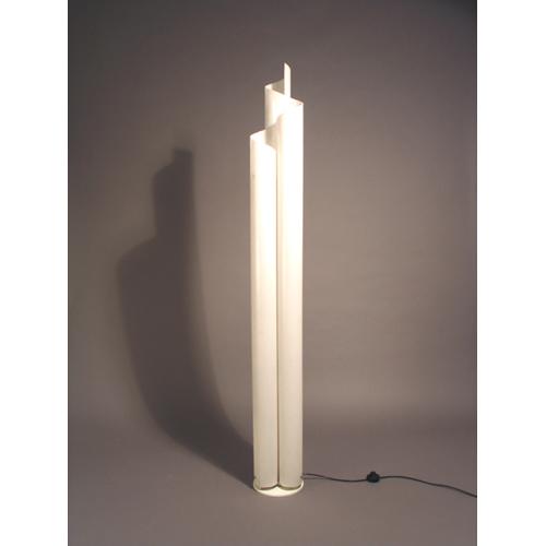 Forum illuminazione difficoltosa mansarda for Artemide lampade roma