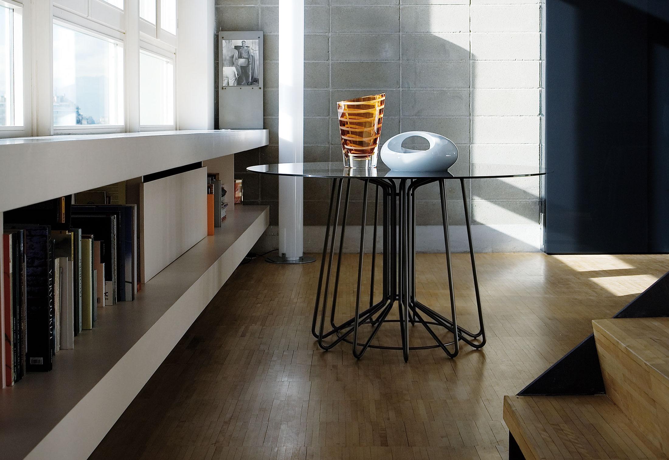 bigwire di zanotta tavoli arredamento mollura home. Black Bedroom Furniture Sets. Home Design Ideas
