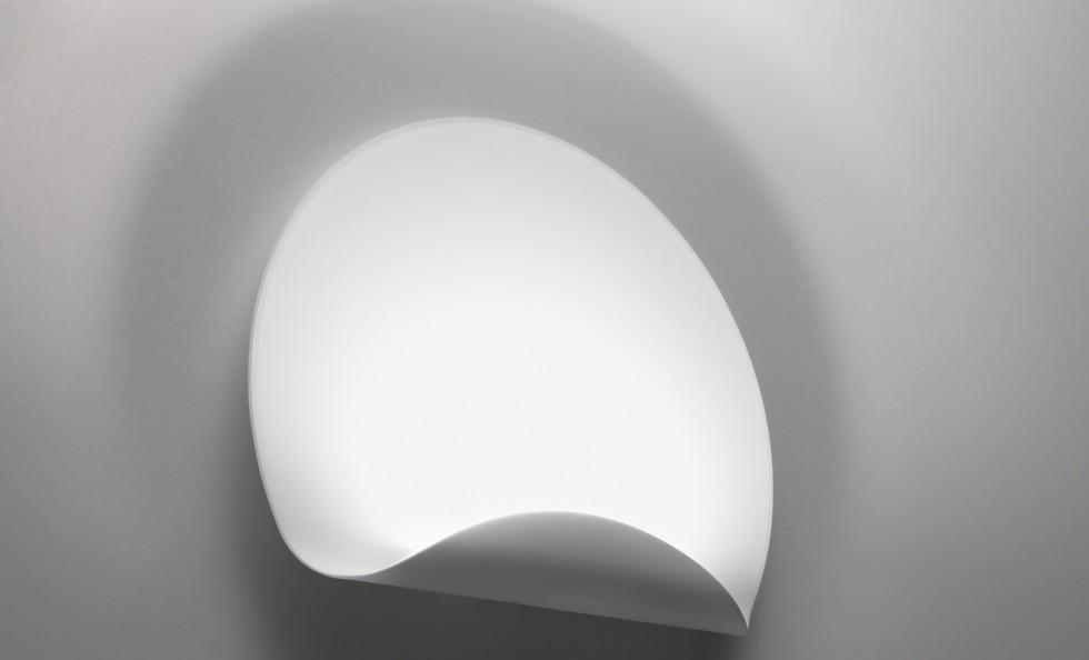 Dinarco di artemide lampade a parete illuminazione mollura home design - Lampade parete artemide ...