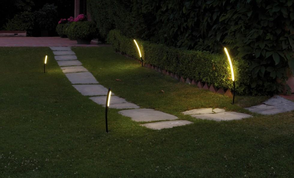Halley di vibia design lampade da esterno for Illuminazione da giardino a led