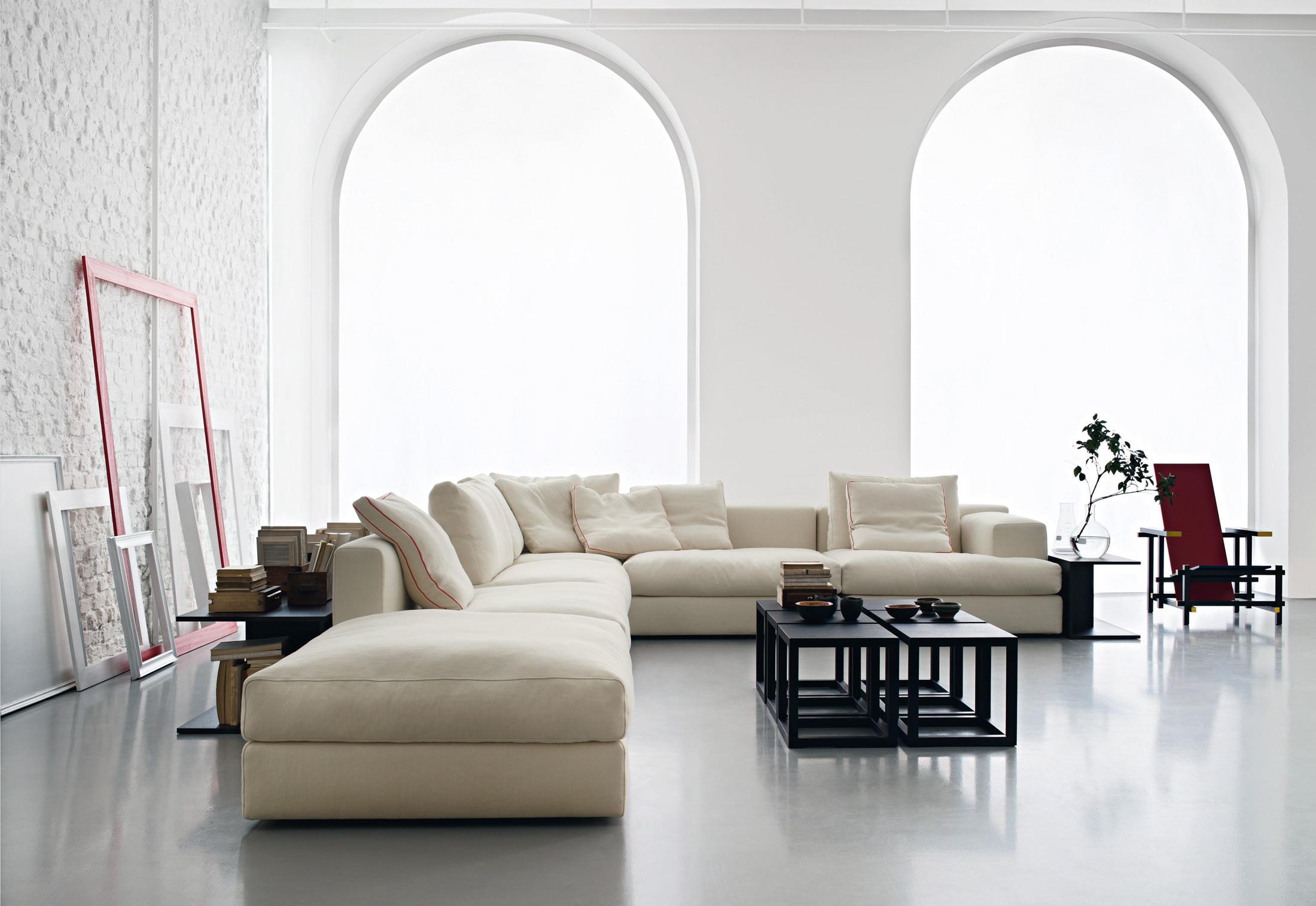 192 193 miloe di cassina divani e poltrone arredamento for Cassina tavoli