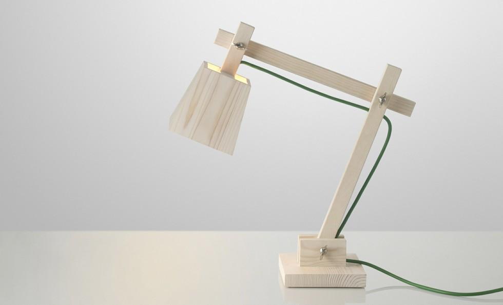 Lampada wood di muuto lampade da tavolo illuminazione for Lampade da tavolo di design moderne