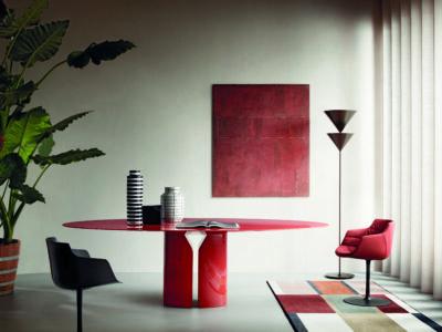 NVL Table by MDF Italia ©Thomas Pagani